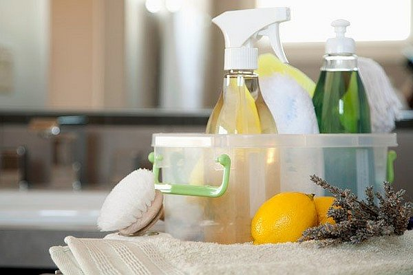 homemade-cleaning-supplies